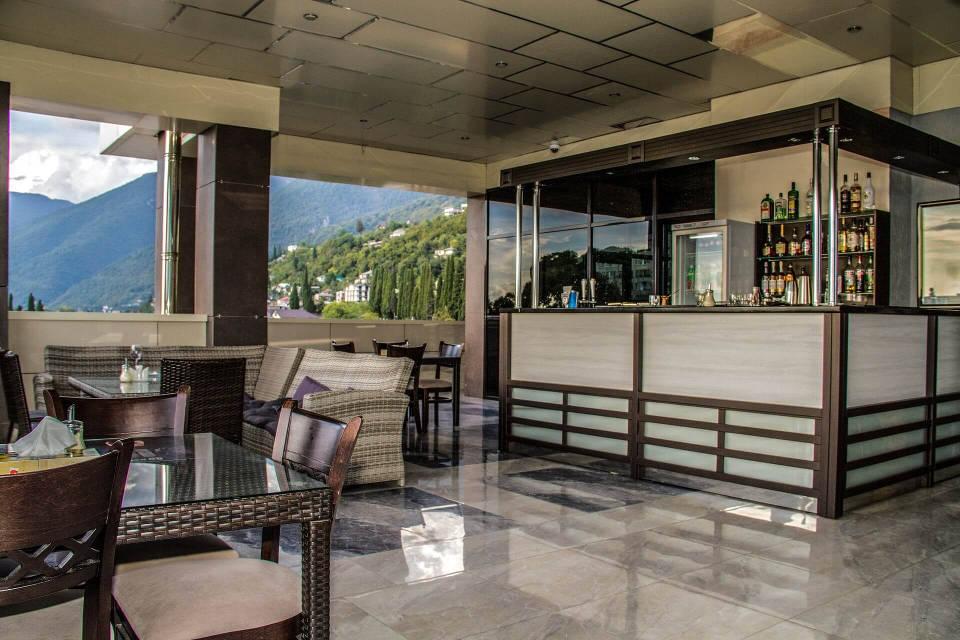 Ресторан на крыше - Гранд отель Гагра - отель европейского уровня в Абхазии (Grand Hotel Gagra)