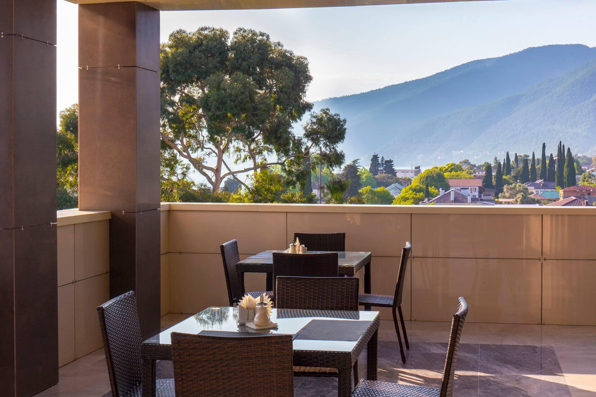Бар - Гранд отель Гагра - отель европейского уровня в Абхазии (Grand Hotel Gagra)